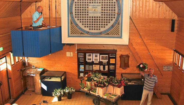 Historische Tuin Aalsmeer : Bloemen en plantenveiling op de historische tuin haarlemmermeer
