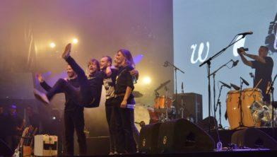 Walden, winnaar van Nu Of Nooit 2017, na afloop van hun openingsoptreden op Pinkpop.