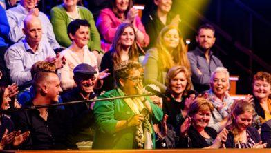 Marianne uit Hoensbroek wint gloednieuwe auto bij tv-show Miljoenenjacht