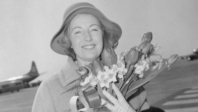Aankomst Vera Lynn op Schiphol 1965