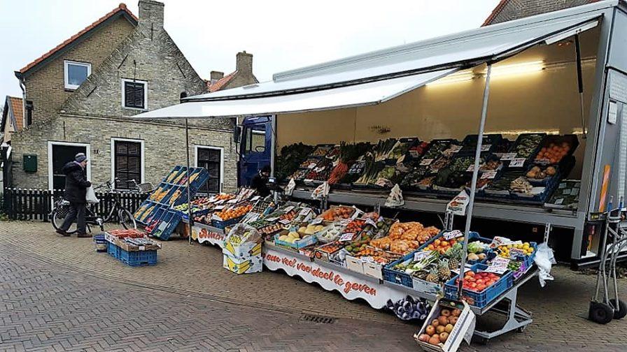 Groenteboer start met verkoop in Nes