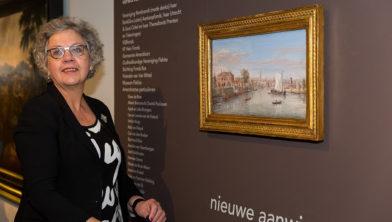 Wethouder Bertien Houwing onthult Gezicht op Amersfoort van Caspar van Wittel