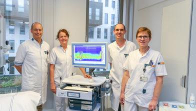 Met de nieuwe apparatuur voor manometrie is nauwkeurig vast te leggen in welke mate de slokdarm wordt blootgesteld aan maagzuur.