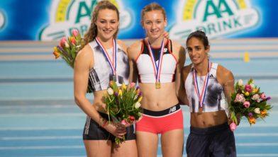 Archief: NK INdoor 2019, Femke Bol (m.), Lieke Klaver (l.) en Madiea Ghafoor (r.)