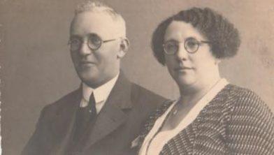 Foto uit 1934 van Salomon en Grietje Minco, de ouders van Marga.