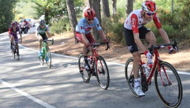 Ontsnapping van onder meer Sander Armee (B) tijdens de etappe van Benidorm naar Calpe, Vuelta España 2019