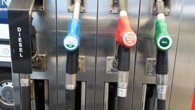 Het wordt verwarring aan de benzinepomp