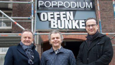 V.l.n.r. wethouder John Ringens , John Gubbels van Stichting SMK Parkstad en Andreas Philips van de Oefenbunker.