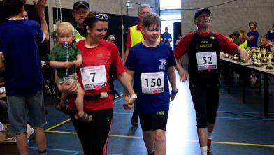 Yvonne Grootswagers-Leermakers, Bart Grootswagers en Ad leermakers aan de finish 40e Nacht van Loon op Zand 2018
