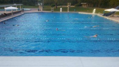 Open voor banenzwemmen.