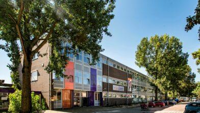 Het schoolgebouw van Rijn IJssel aan de Thorbeckestraat wordt verkocht aan de gemeente.