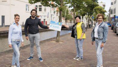Cheque voor Wensstichting Drenthe.