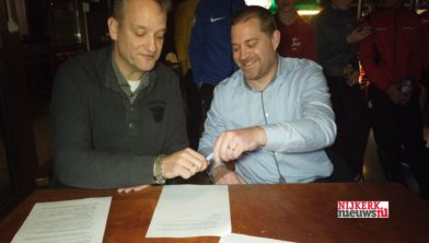 Kurt Metz, voorzitter TC KV Telstar (l) en Serge Valk