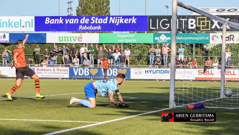 19-09-2020: Voetbal: Sparta Nijkerk v Sportlust46: Nijkerk Marice de Ruiter doelpunt, Sparta