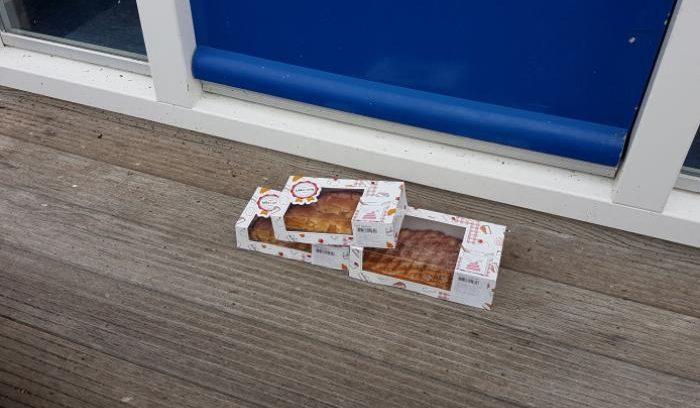 taart urk Verlate' taart voor redders KNRM Urk   Noordoostpolder taart urk