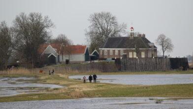 Zicht op Middelbuurt en wetlands Schokland
