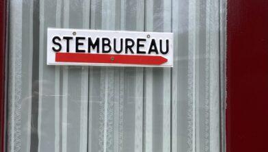 Uitgang stembureau Kraggenburg