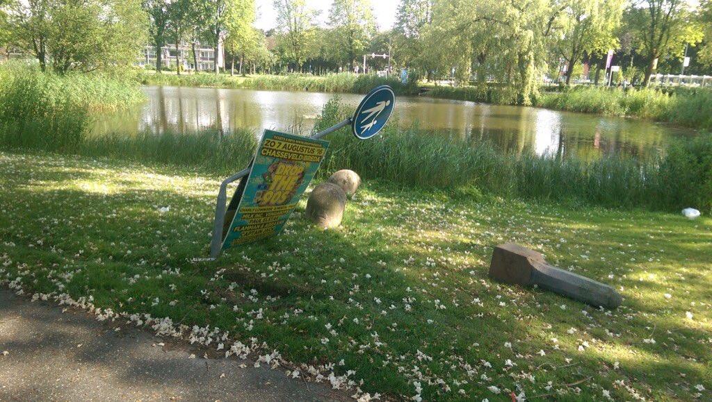 Vernielingen in Lukwelpark na OosterhoutLive - Oosterhout