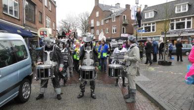 Sleuteloverdracht Eusterbeek 2017, toen was het ook nat