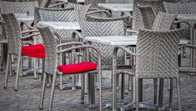 De terrassen blijven nog leeg