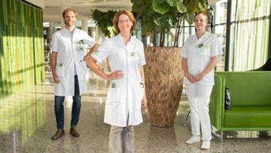Het AYA-zorgteam: oncoloog Pieter de Mol, verpleegkundig specialist Lieneke Homans en gespecialiseerd verpleegkundige Gerietha van de Lustgraaf