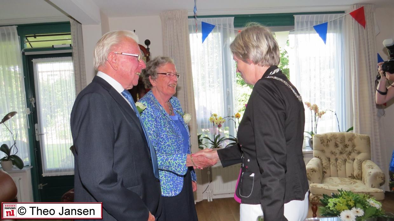 Echtpaar De Vries-Ruitenbeek 60 jaar getrouwd
