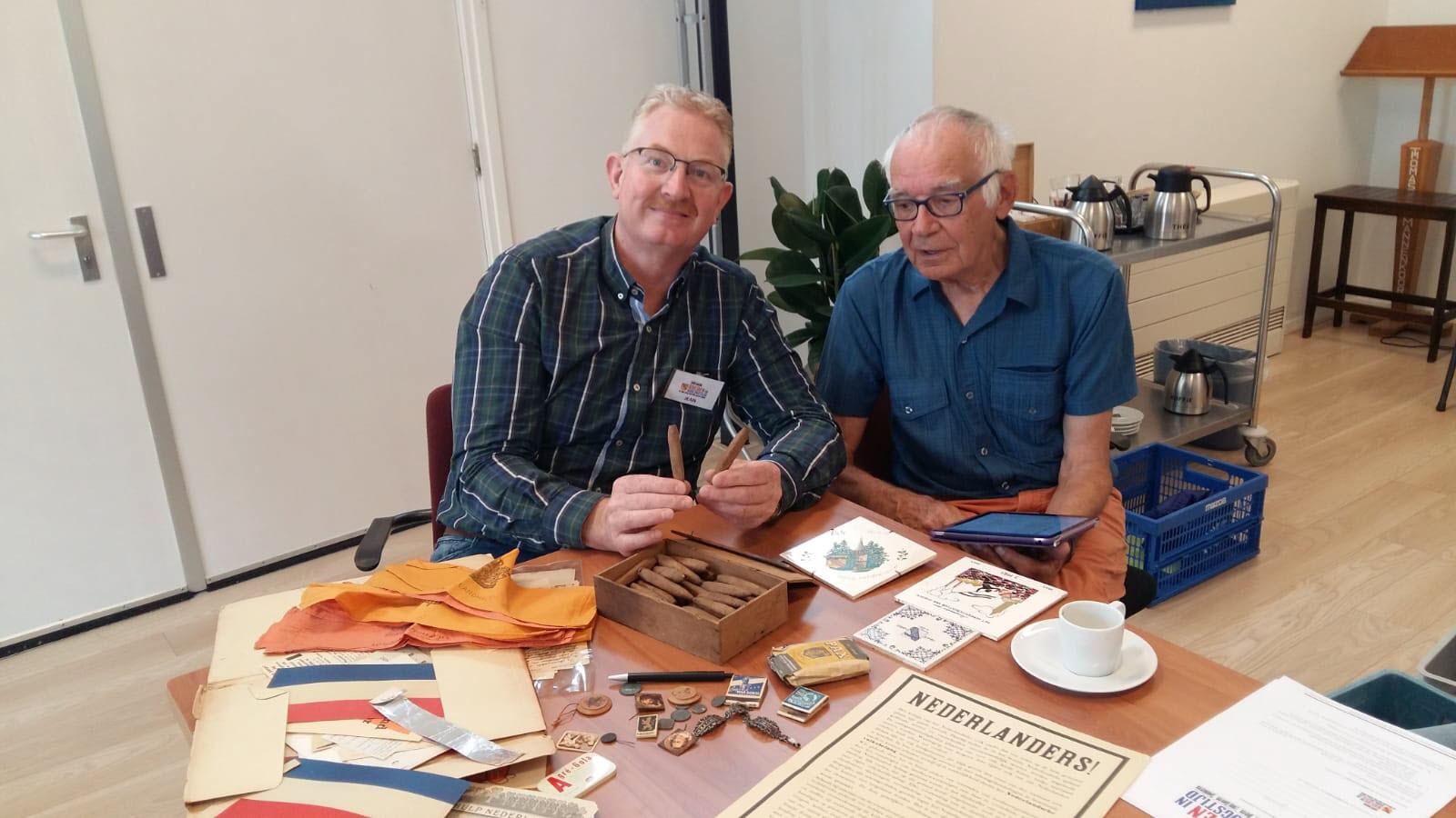 Conservator Jean Kreune met Wim van Giessen in Rheden
