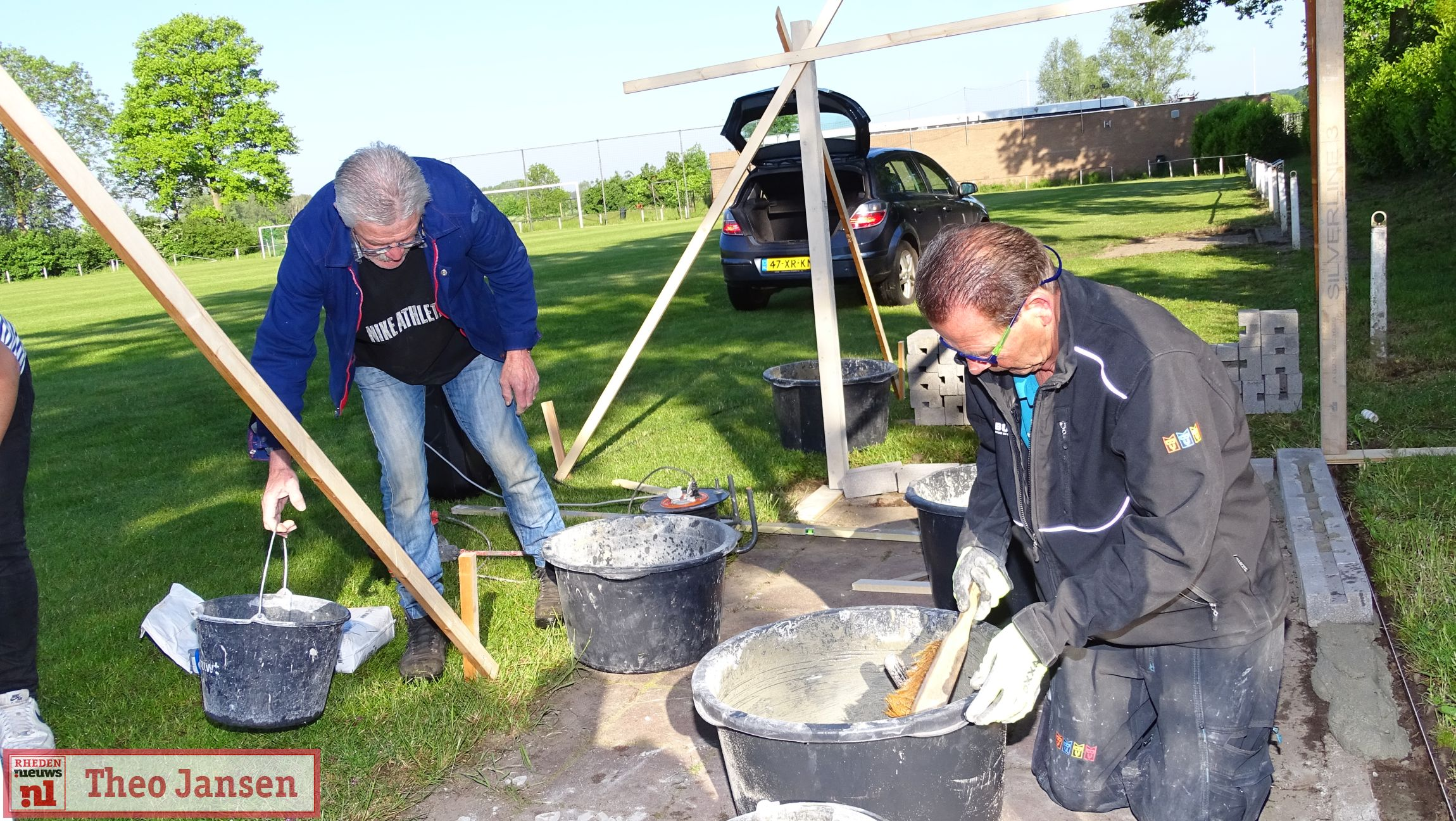 2021 05 29 IJsselsingel Rheden Herbouw dug-outs SC Rheden