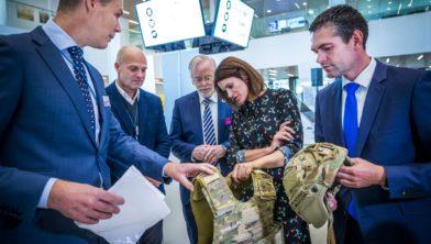 250919, Geleen: staatssecretaris Barbara Visser van Defensie bezoekt Brightlands. Foto: Marcel van Hoorn.