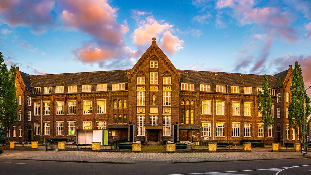 Hotel en wonen in voormalig Bisschoppelijk College Sittard