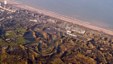 <em>Circuit in de duinen van Zandvoort</em>