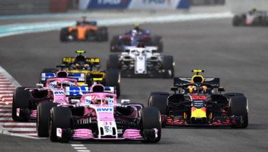 Verstappen in gevecht met beide Force Indias tijdens GP Abu Dhabi