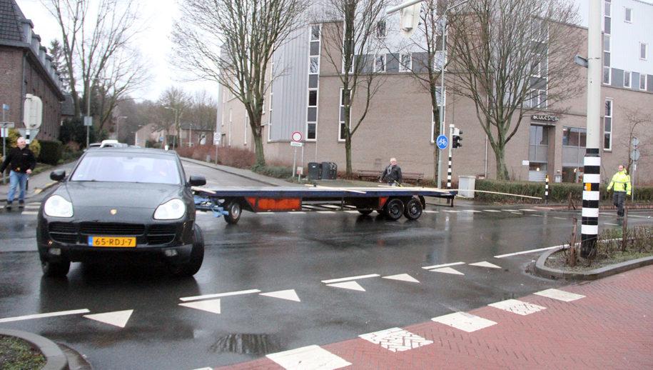 Indraaien Putstraat vanaf de Leyenbroekerweg