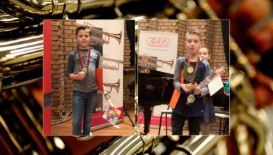 De winnaars: links Ties Wijnen, rechts overall winnaar Koen Delil