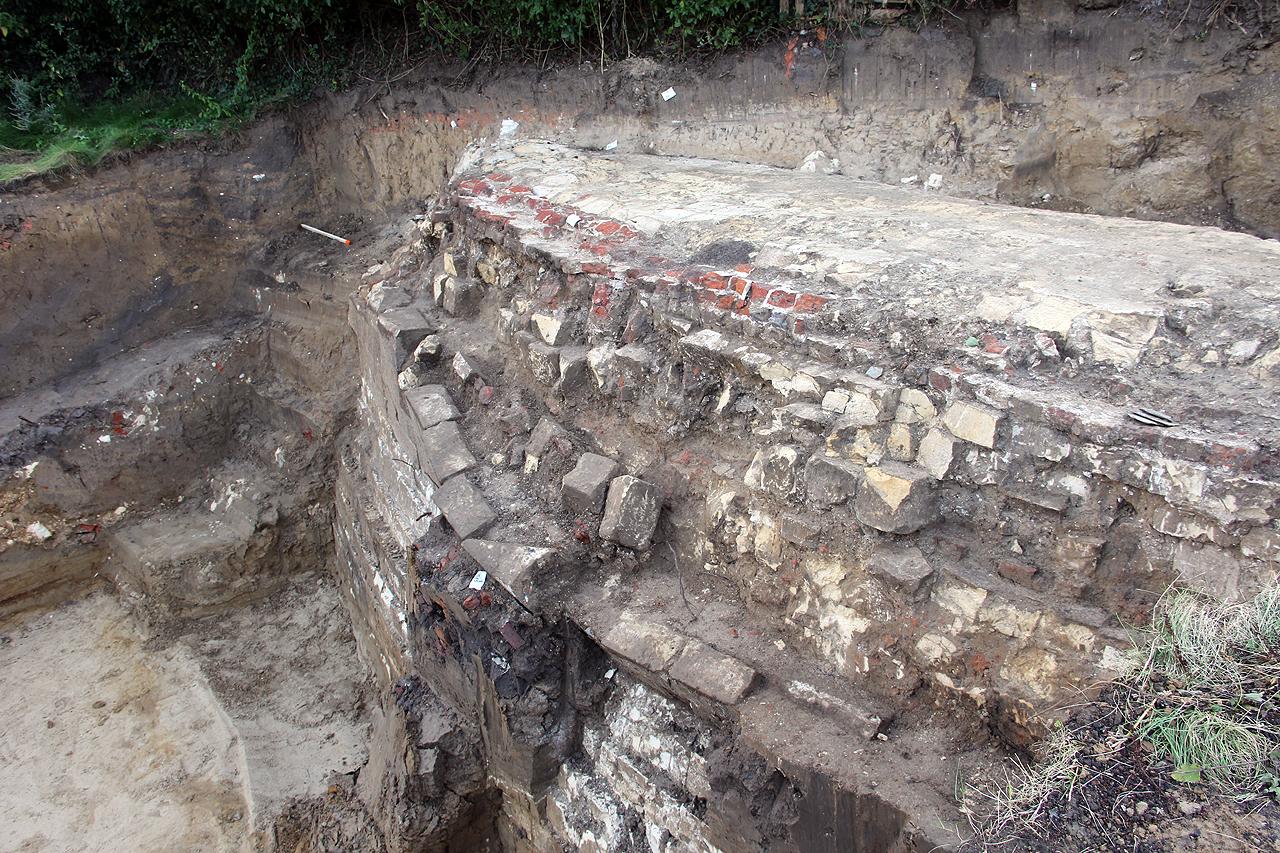 muur van middeleeuws rondeel