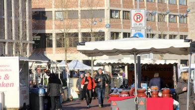 Marktkramen met Sint Joep op Ligneplein én in leegstaand winkelpand