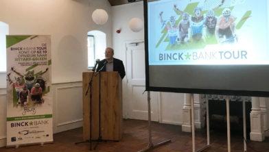 Rob Discart (Golazo) licht etappeschema BinckBank Tour 2020 toe.