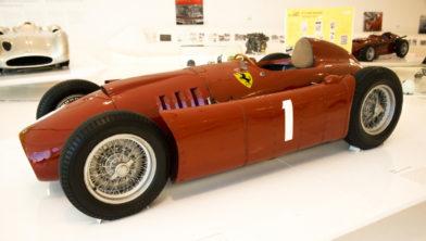 <em>Een van de eerste racewagens van Ferrari</em>