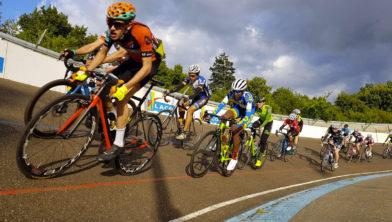 <em>De (trainings)koersen op de Geleense Wielerbaan liggen voorlopig even stil</em>