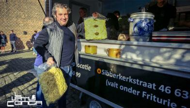 <em>Hans van Wolde met zijn Brute Frites</em>