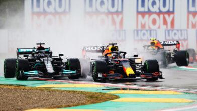 <em>Verstappen aan de leiding in Imola</em>