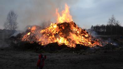 Paasvuur in Oranjedorp op 31 maart 2013