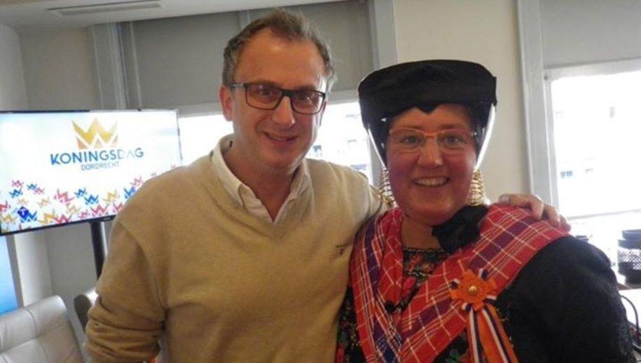 Minke Harkema-Van Wijngaarden met EO-verslaggever Jeroen Snel