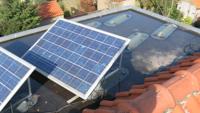 Zonnepanelen en vrije ruimte op dakkapel achter