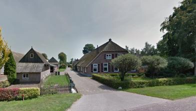 Een hier op de foto nog te splitsen boerderij in Rouveen