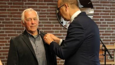 De Haan Staphorst.Henk De Haan Uit Rouveen Lid In De Orde Van Oranje Nassau