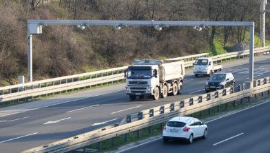 Systeem voor nummerplaatherkenning op een snelweg