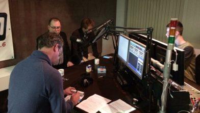 Eelco Kuiken ondervraagt lokale politici in de studio