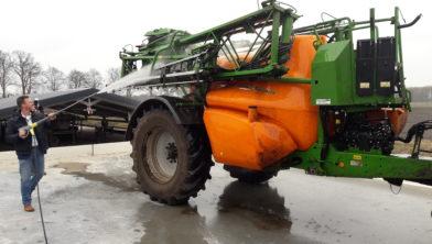 Wasplaats voor agrarische machines