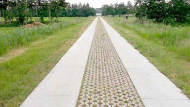 Verharding Whemeweg in Rouveen
